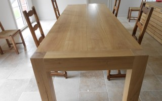 table-contemporaine-chene-massif03